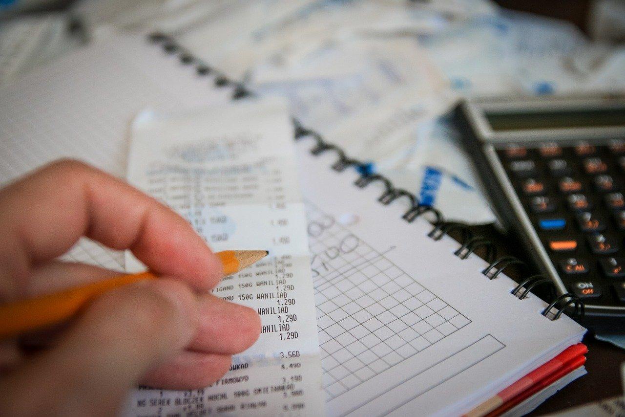 Podatki w UK wyjaśnione przez Iwona Accountancy Services Ltd.